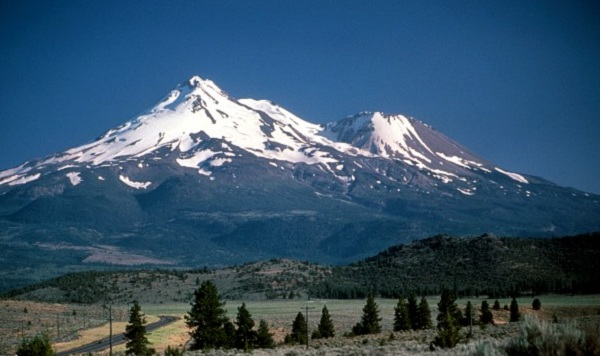 Mount Shasta Flaps California Morning Collection: June 29, 2011