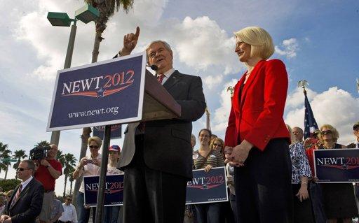 Newt Ginrich in Tampa Florida President 2012 GOP Florida Poll Watch: Gingrich 38% Vs. Romney 33% Vs. Santorum 13% Vs. Paul 10%
